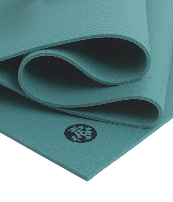 Manduka Prolite Yoga Mat   Lotus - Fold Detail