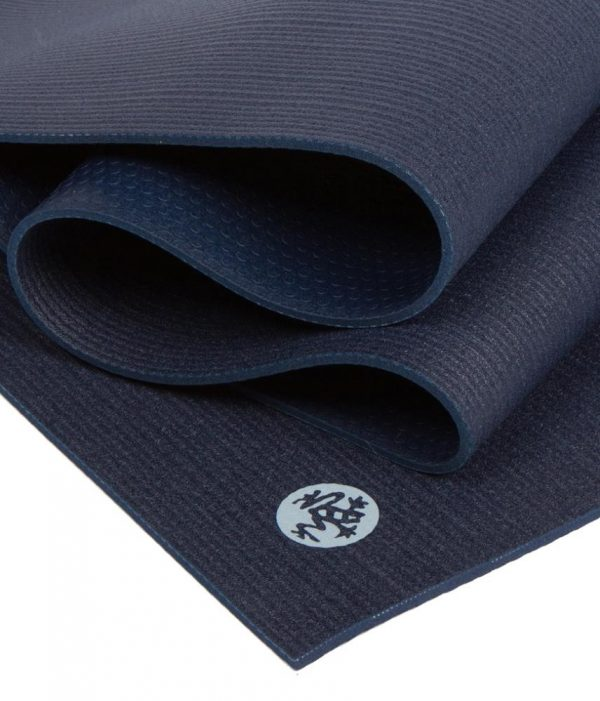 Manduka Prolite Yoga Mat | Midnight - Fold Detail