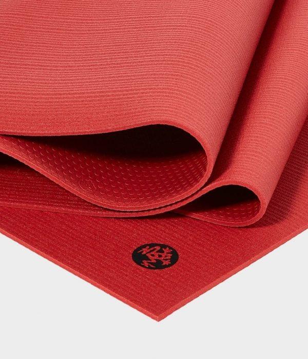 Manduka Prolite Yoga Mat   Taana - Fold Detail