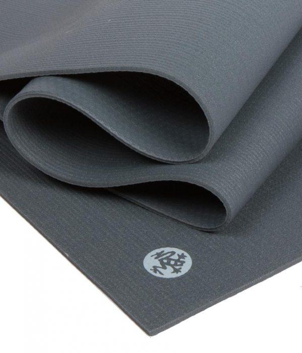 Manduka Prolite Yoga Mat | Thunder - Fold Detail