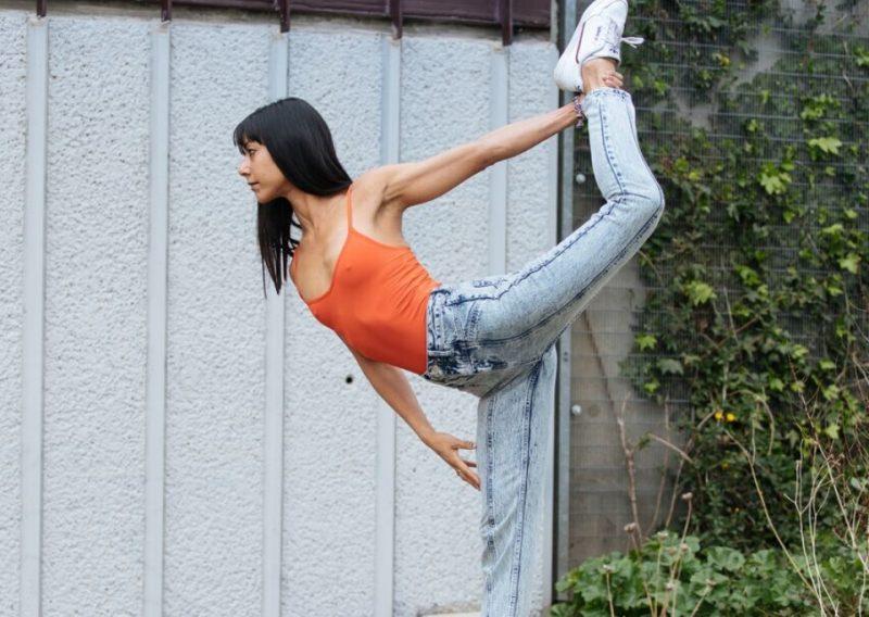 MoreYoga_Instructor_Jenna Samji-5