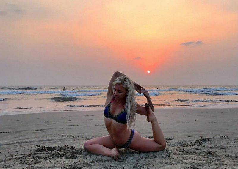 MoreYoga_Instructor_Sanya Ormison-7